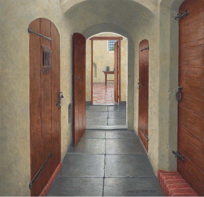 Gang met deuren in het oude klooster van Elburg